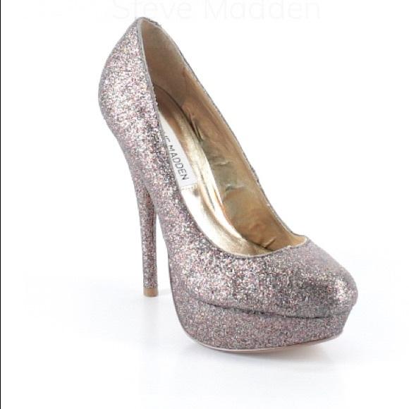 79bf2f2366e EUC Steve Madden Glitter Heels